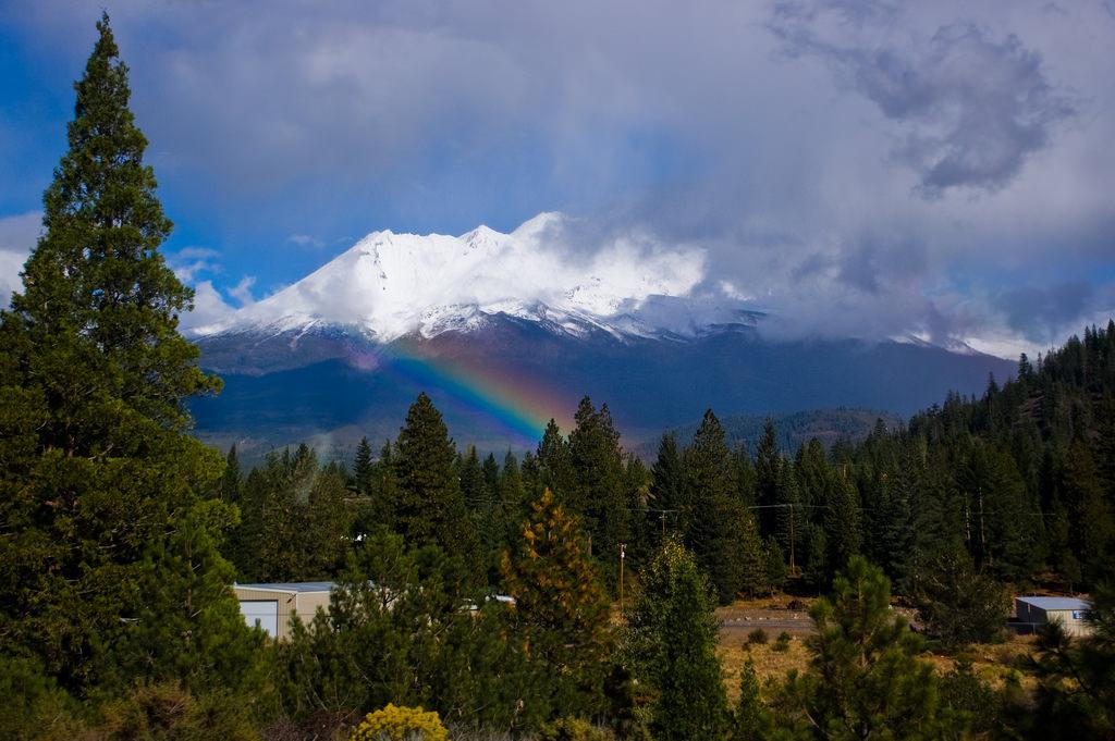 Mount Shasta-Cascade Loop Northern California