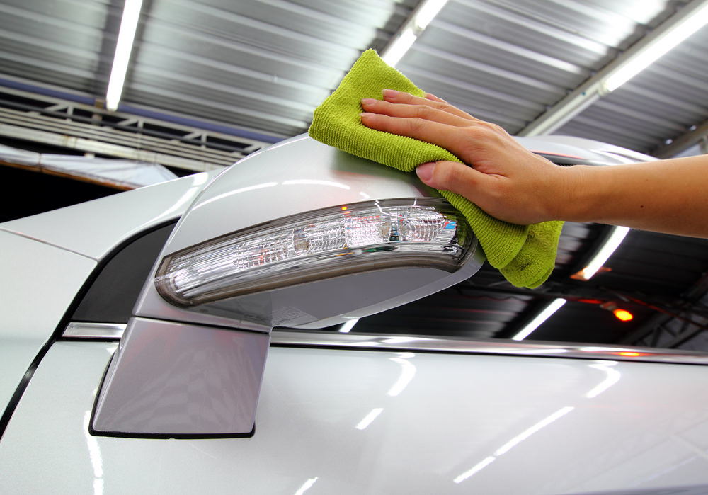 What Is The Best Way To Clean Car Mirrors Yourmechanic Advice