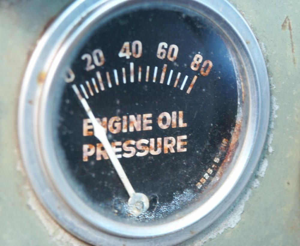 how do you know if the oil pressure gauge is bad yourmechanic advice rh yourmechanic com