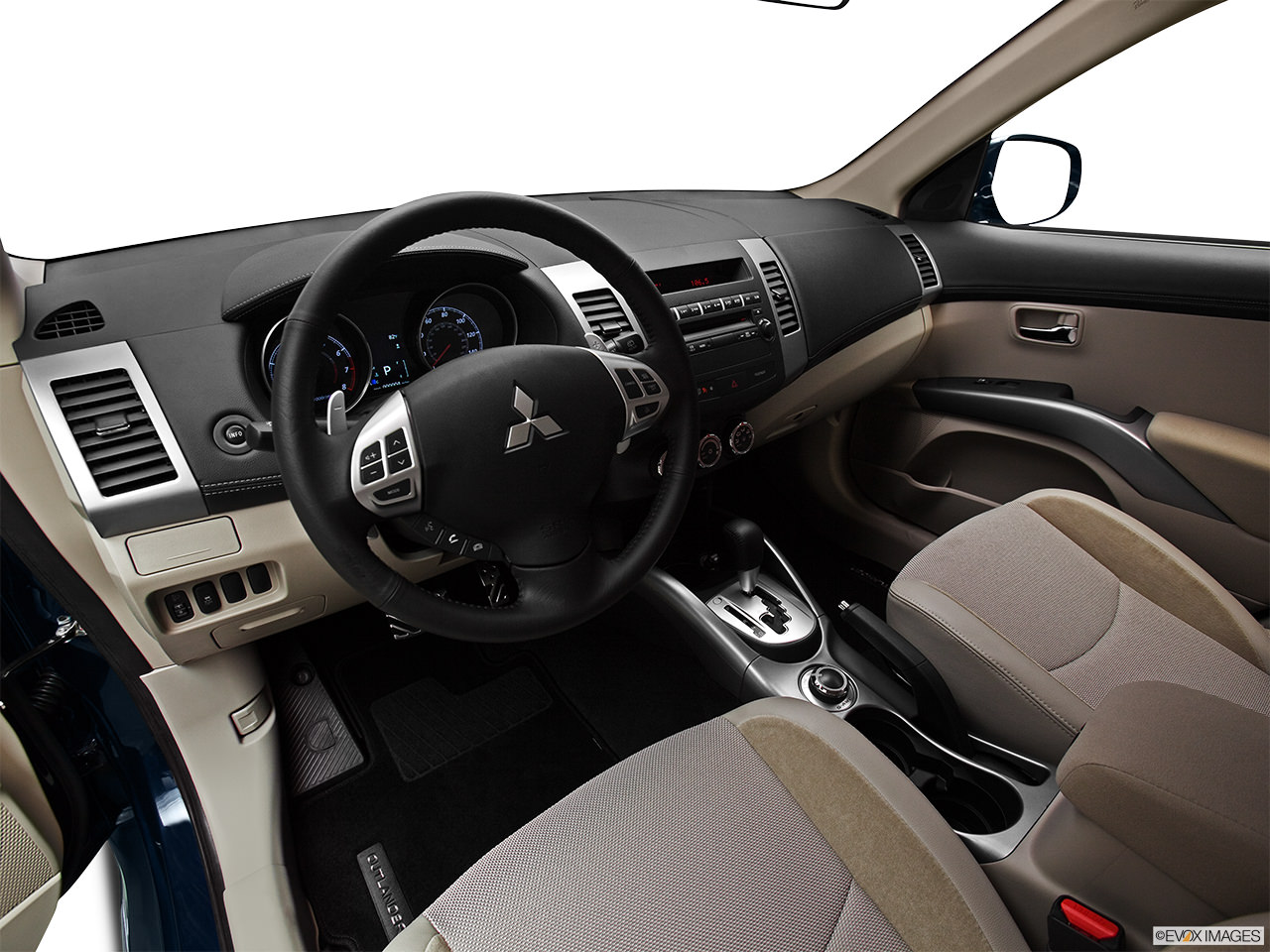 Mitsubishi Outlander 2012 Interior