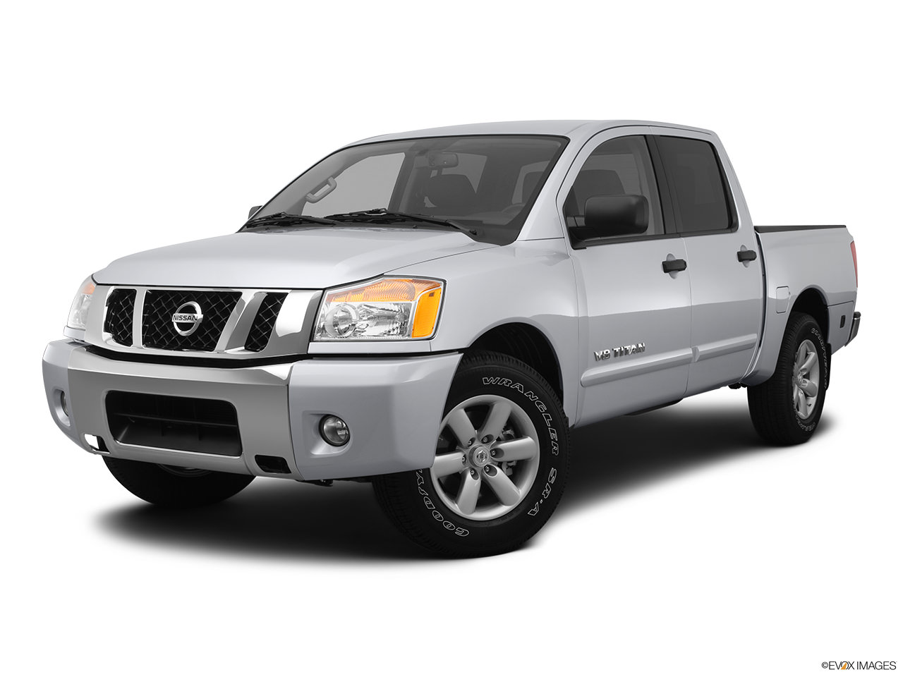 a buyer 39 s guide to the 2012 nissan titan yourmechanic advice. Black Bedroom Furniture Sets. Home Design Ideas