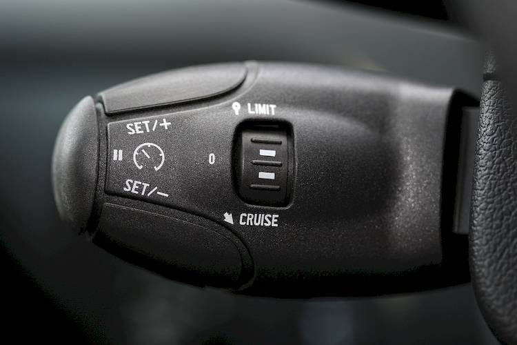 Symptoms of a Bad or Failing Cruise Control Vacuum Reservoir
