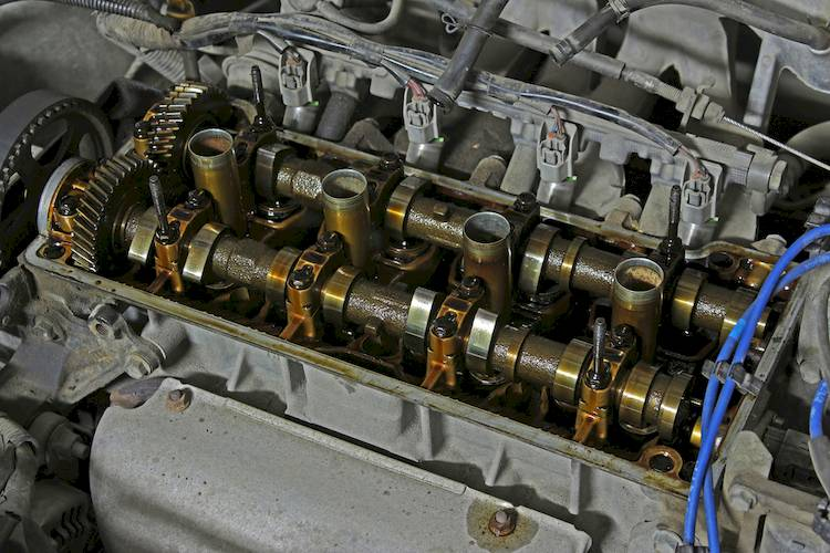 Symptoms Of A Bad Or Failing Valve Cover Gasket
