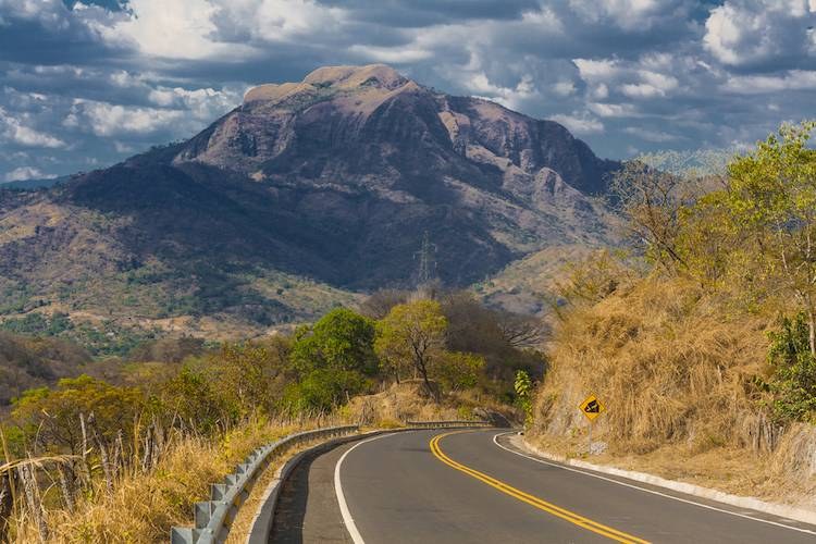The Traveler's Guide to Driving in El Salvador