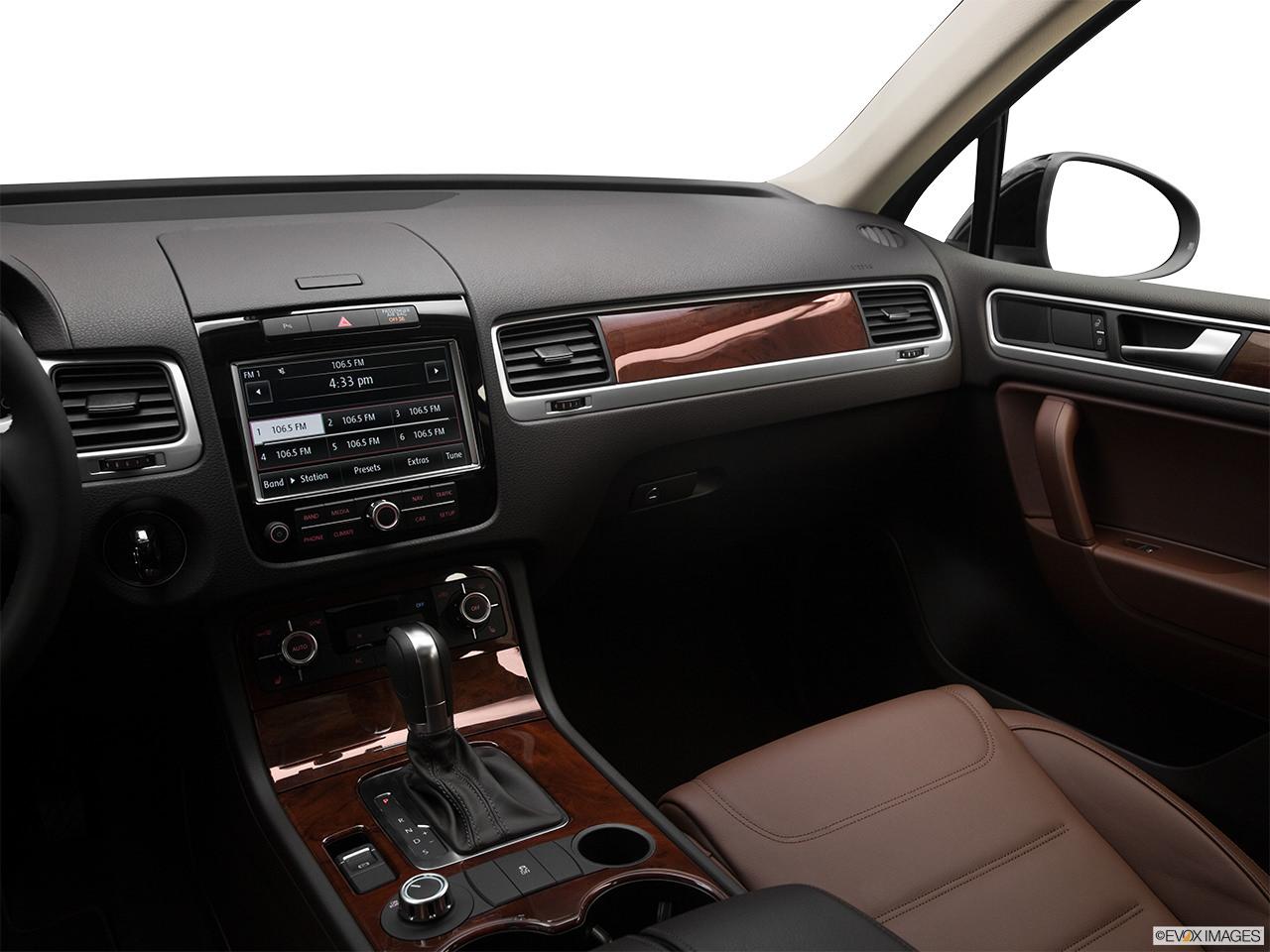 Volkswagen Touareg 2012 Interior