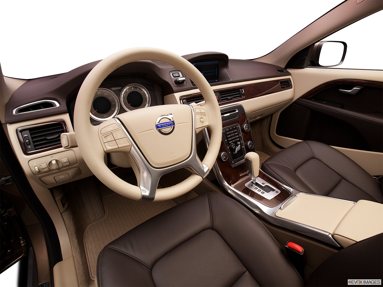 Volvo XC70 2012 Interior