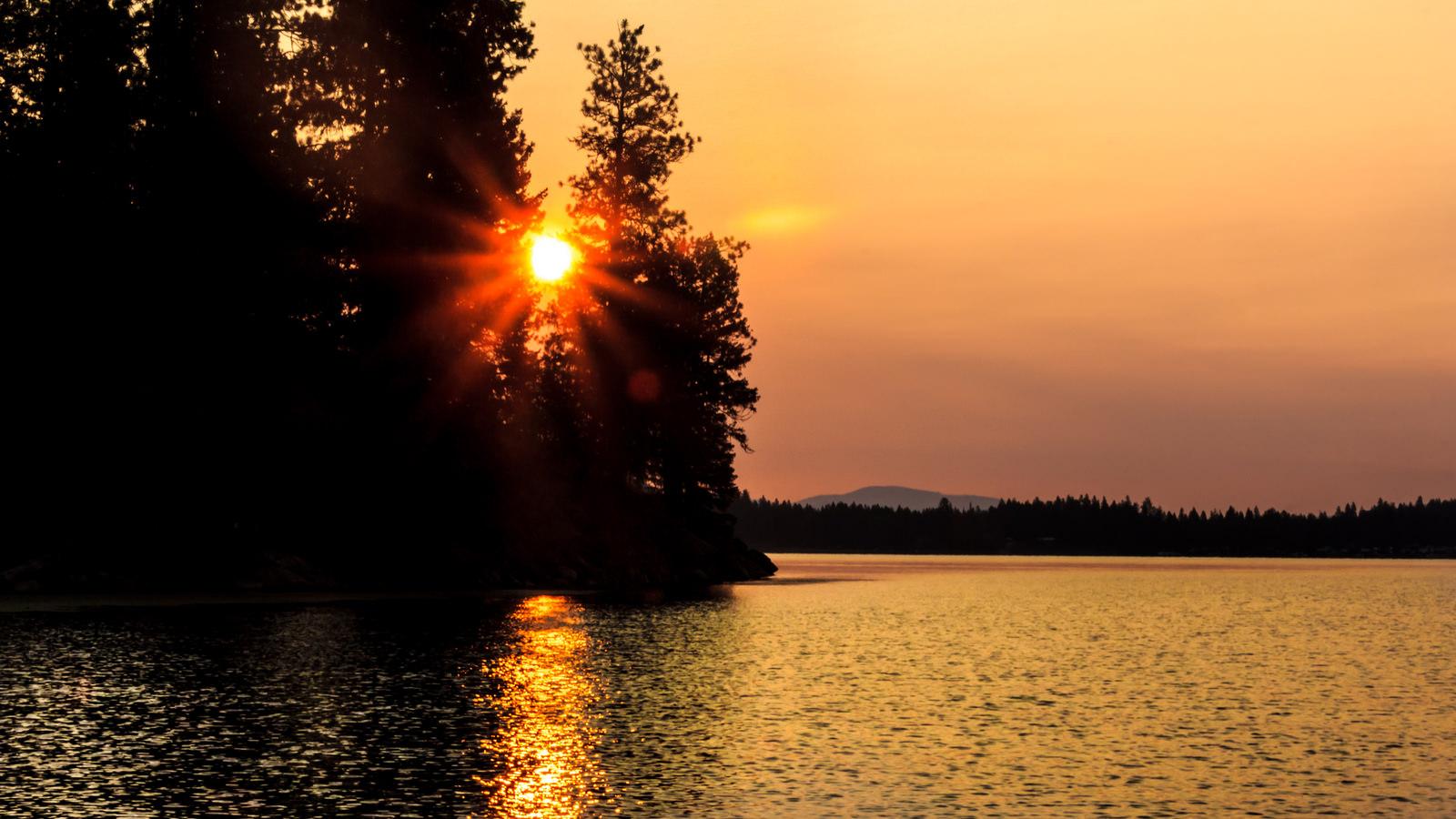 Roosevelt Lake Loop Washington