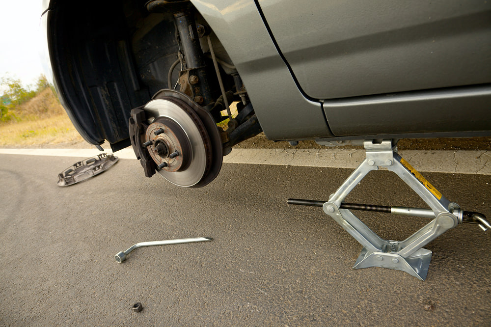 What Are the Dangers of Driving a Vehicle With a Broken Suspension