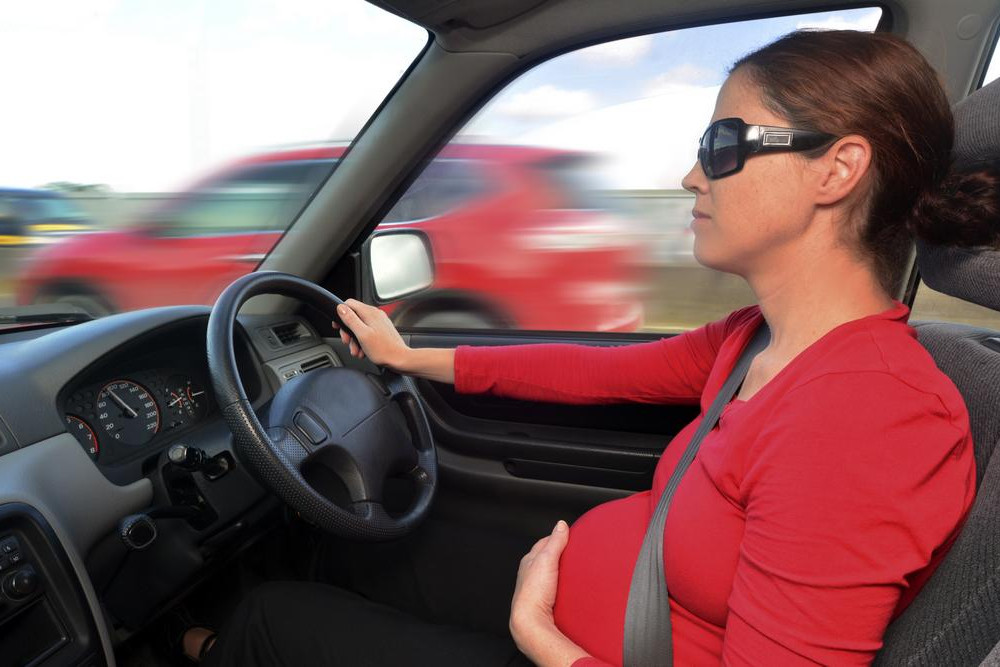 Is it safe to travel long distance by car in 7th month of pregnancy