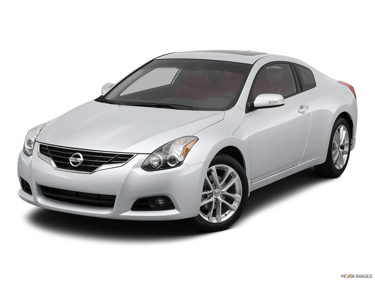 A Buyer\'s Guide to the 2012 Nissan Altima Hybrid | YourMechanic Advice
